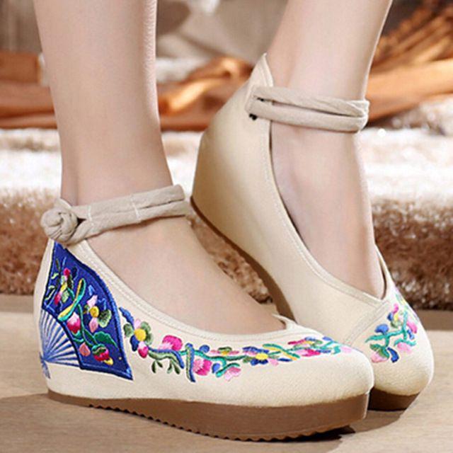 Punta Redonda de la vendimia Floral Bordaras Cinturón Botón Cuñas Correa de Calzado Chino Tradicional Estilo de Zapatos con Plataforma de Las Mujeres Zapatos De Tela