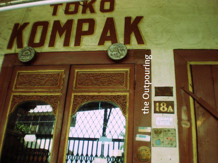 Kompak store ( residence of  Majoor Tio Tek Ho)
