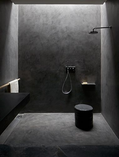 Studio KO - Villa E - Marrakech - ©Dan Glaser > Black Bathroom