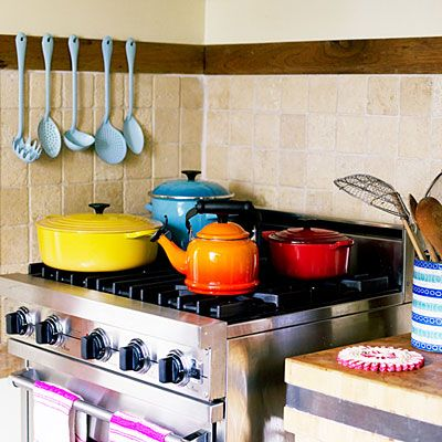 Le Creuset cookware (a cult favorite 40 years ago that will never go out of style)