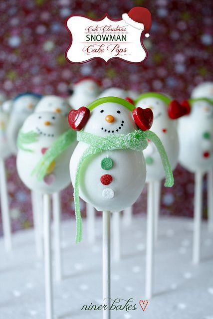 My favourite of all: The cute Snoman Cake Pops Family by niner bakes, via Flickr - See blogpost with tutorial - how to make snowmen cake pops