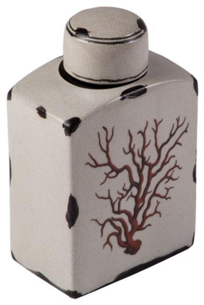 Изящные, светлые сосуды в форме старинных фляг, как будто подняты со дна Средиземного моря. Легкие стилизованные потертости, как и стиль «Прованс» снова в моде и эти модели идеально дополнят тщательно продуманный «деревенский» кухонный интерьер или украсят гостиную, выполненную в морской тематике. А плотно закрывающаяся крышка вазы «Coral» позволит Вам использовать ее функционально: налить в нее оливковое масло или бальзамический уксус и красиво подать на стол.
