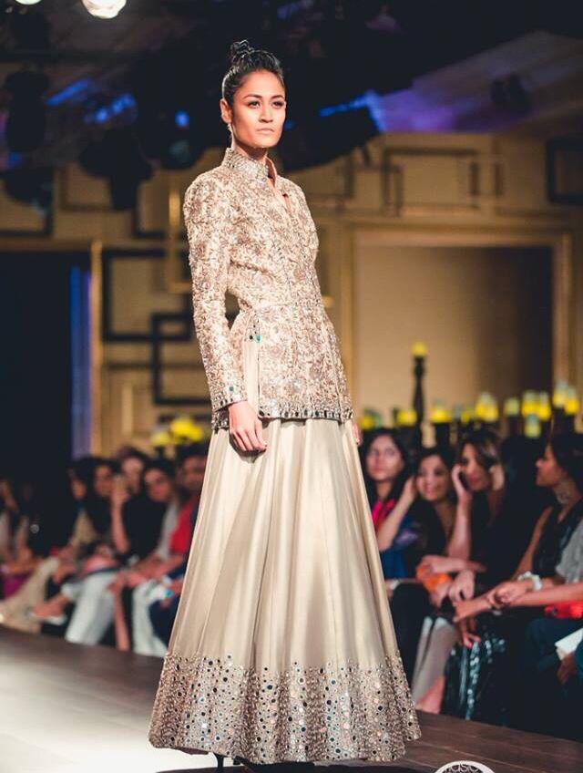 India Couture week 2014!  Mesmerised! Manish Malhotra!