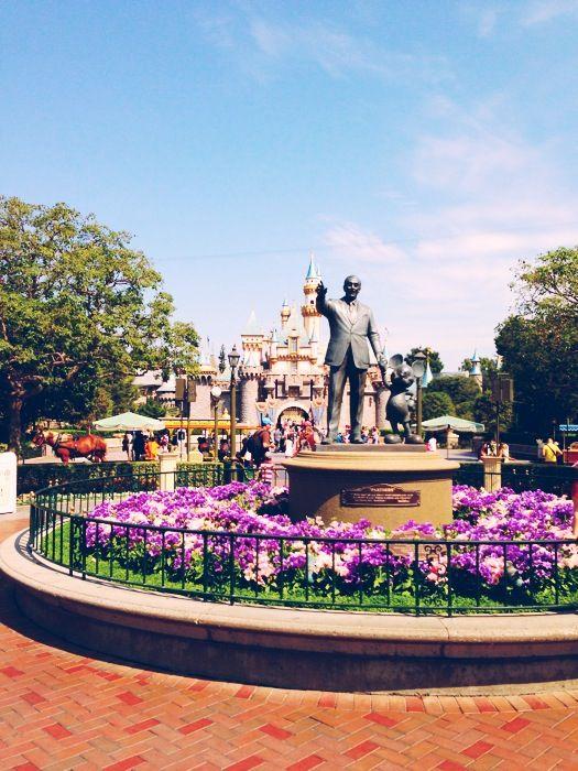 Walt Disney, Disneyland :)