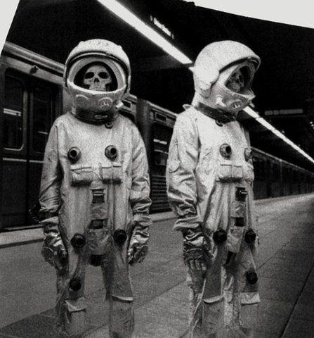 zombie astronaut costume - photo #12