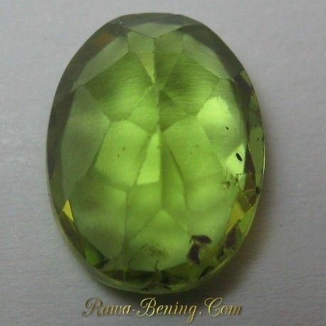 Harga Batu Permata Peridot Hijau Indah Oval Cut 2.30 carat www.rawa-bening.com