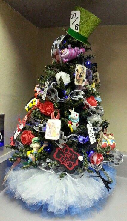alice in wonderland inspired christmas tree with tutu tree skirt 2013 - Disney Christmas Tree Skirt