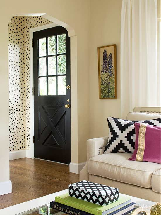 polka dot wall stencil provides a sense of a designated entry, when when space is tight.