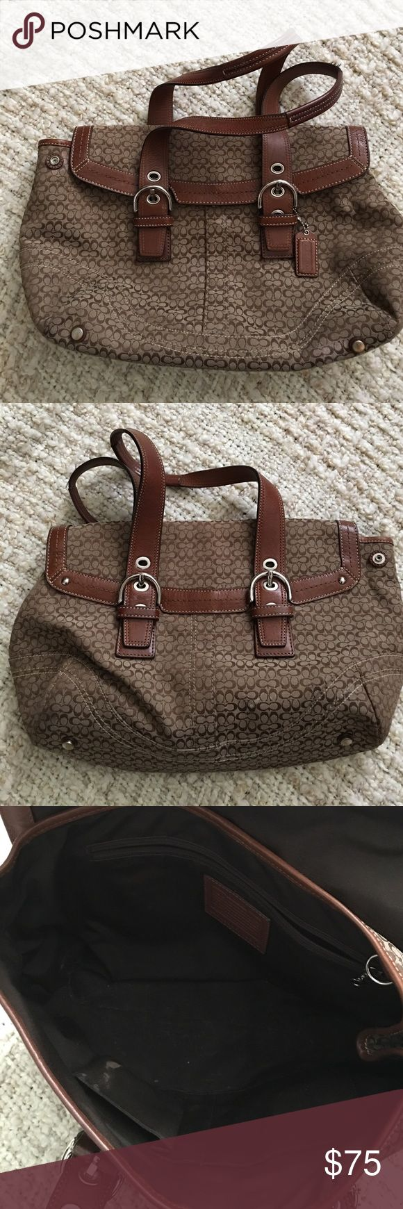 Coach purse signature flap back handbag Authentic Coach purse in good condition. The bag def has signs of wear, not too bad though. The straps are i great condition with just a tad of fraying, the interior is a bit spotty but that can be cleaned up. Dimensions are 15x10x4 Coach Bags Shoulder Bags
