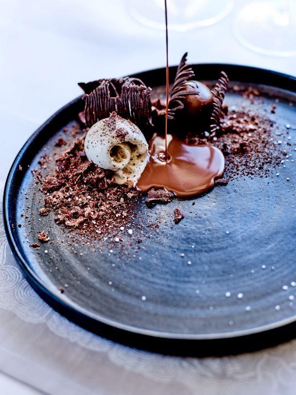 For Chocolate lovers: Chocolate Leaves and Soufflé, Peruvian Dark Chocolate, Black Cardamom. @Jean-Claude Amiel