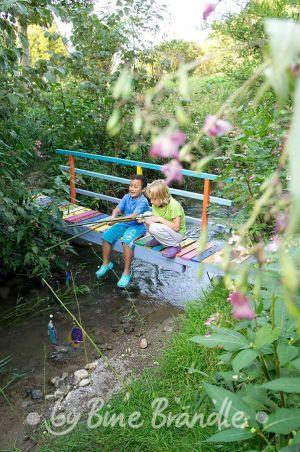 Die besten 25+ Gartenbrücke Ideen auf Pinterest Traumgarten - gartenteich mit brucke und bachlauf