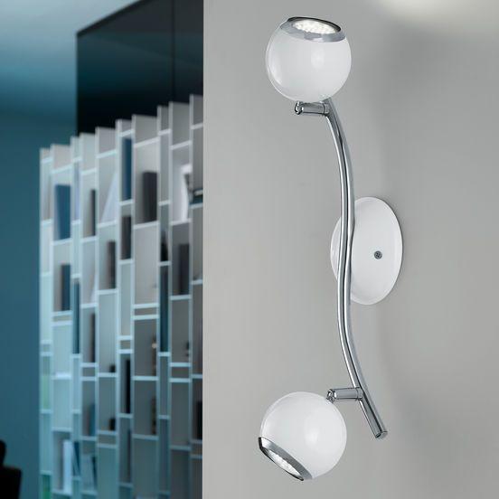 Grâce à son aspect très moderne, ce spot LED attribue une note d'individualité à votre intérieur. Un style agréable et modéré, qui s'intègre très bien dans des pièces de vie aménagées d'un design de notre temps.