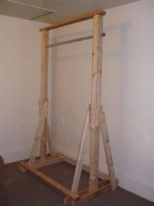 Diy pull up bar stand