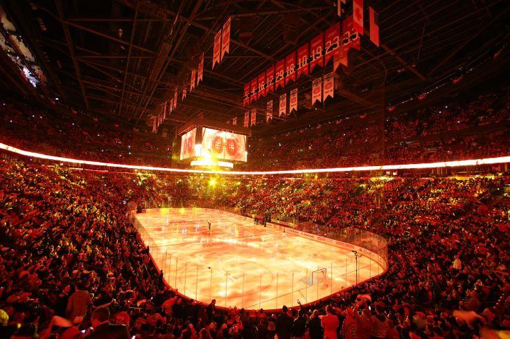 Match 3: Les Canadiens ont préparé toute une présentation d'avant-match pour les 21 273 partisans présents au Centre Bell lors du premier match des séries à domicile. http://goha.bs/RCXMXZ / Game 3: The Canadiens' organization prepared quite the pregame show for the 21,273 fans at the Bell Centre for the first home game of the playoffs. http://goha.bs/1fe19te #GoHabsGo