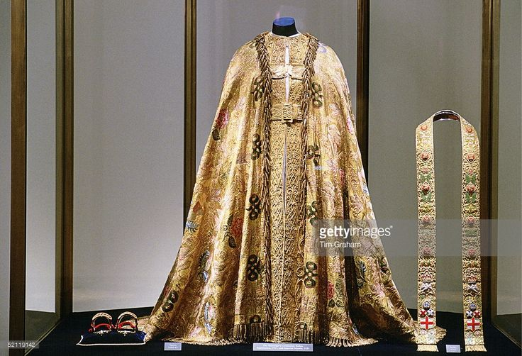 The Sovereign's Coronation Robes (supertunica And Imperial Mantle) In The Tower Of London.