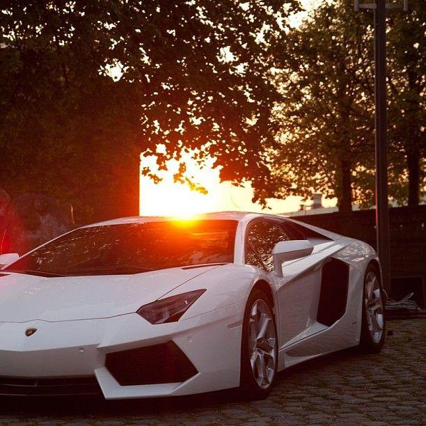 Morning Sunrise -Lamborghini Aventador