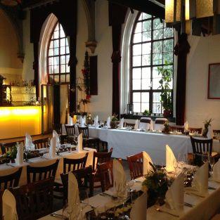 """Restaurant """"Die Kirche"""", Magdeburg...Essen im Kirchenschiff oder im netten Garten"""