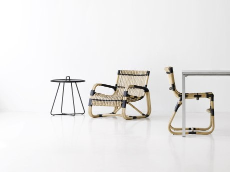 Curve lounge chair   http://ambiencestore.com/our-range/view/curve-lounge-chair/