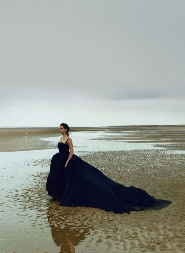 The Sea Calls Us….k...Vogue US, January 2014, photographer: Annie Leibovitz, Felicity Jones