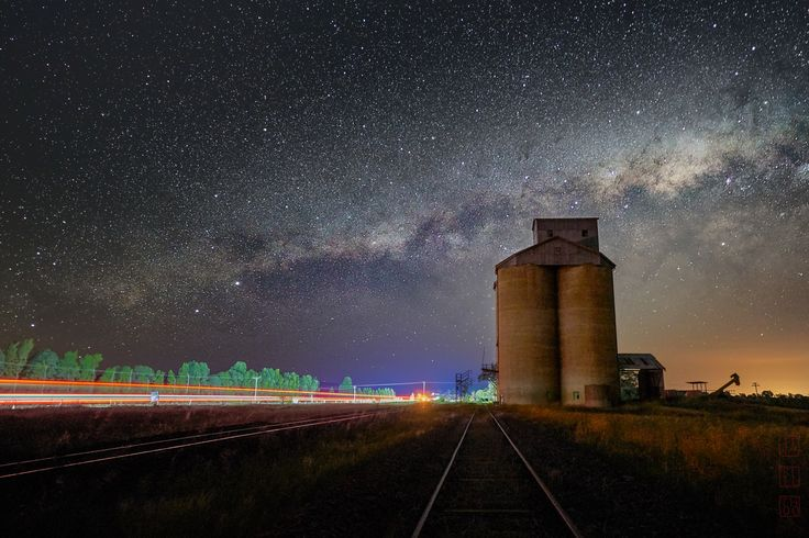 https://flic.kr/p/GWtK6R | Dubbo | Dubbo, NSW, Australia. November 2017. Abandoned silo on the Golden Highway near Dubbo. The night was dark and the stars were very bright.  The road trains rumbling by leave their light trails and chase away the dark.