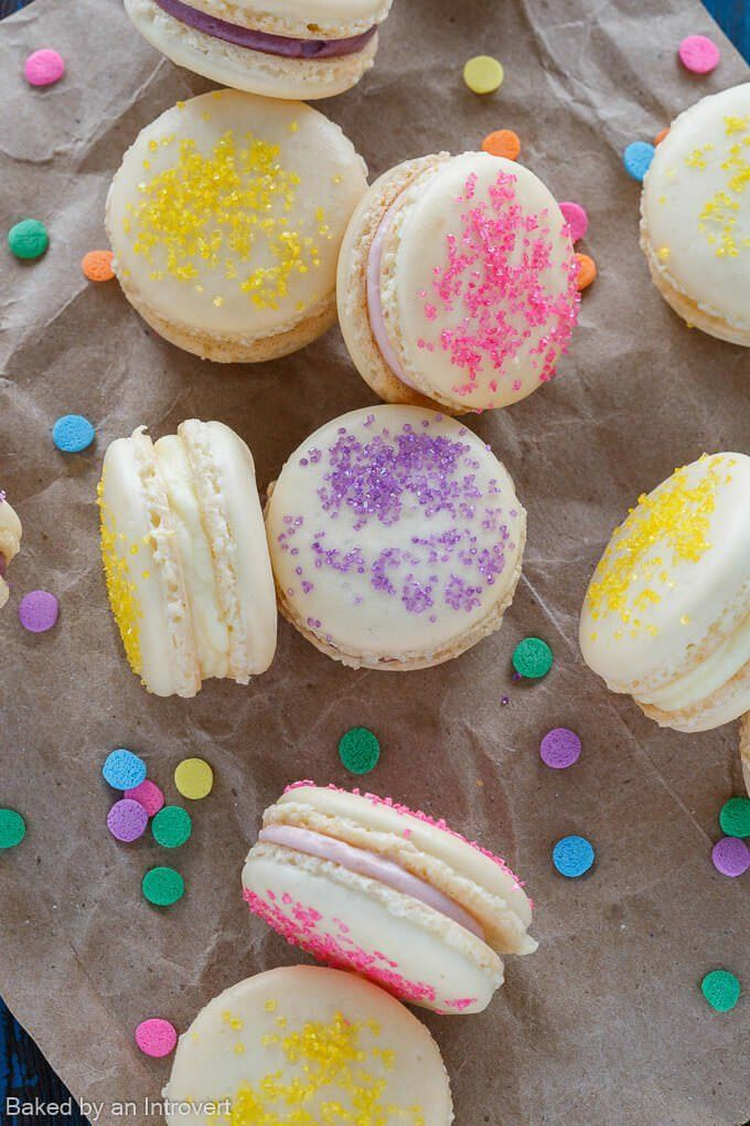 Crisp and chewy French Macarons sandwiched together with your choice of fruity Cheesecake filling. @bobsredmill #AD #BRMEaster #CleverGirls