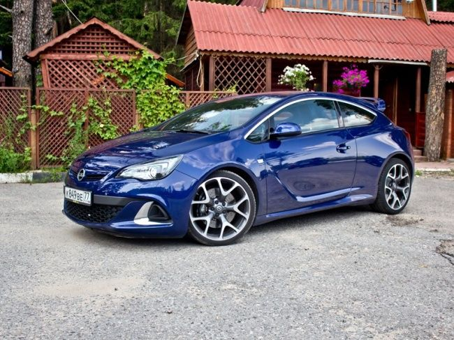 Front/side profile. Opel Astra J OPC, Buzz blue