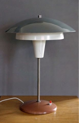 ArtBazaar - Kolekcjonowanie Sztuki Najnowszej: Kolekcjonując design - Lampy stołowe projektu Gałeckiego (Stołeczne Zakłady Metalowe)