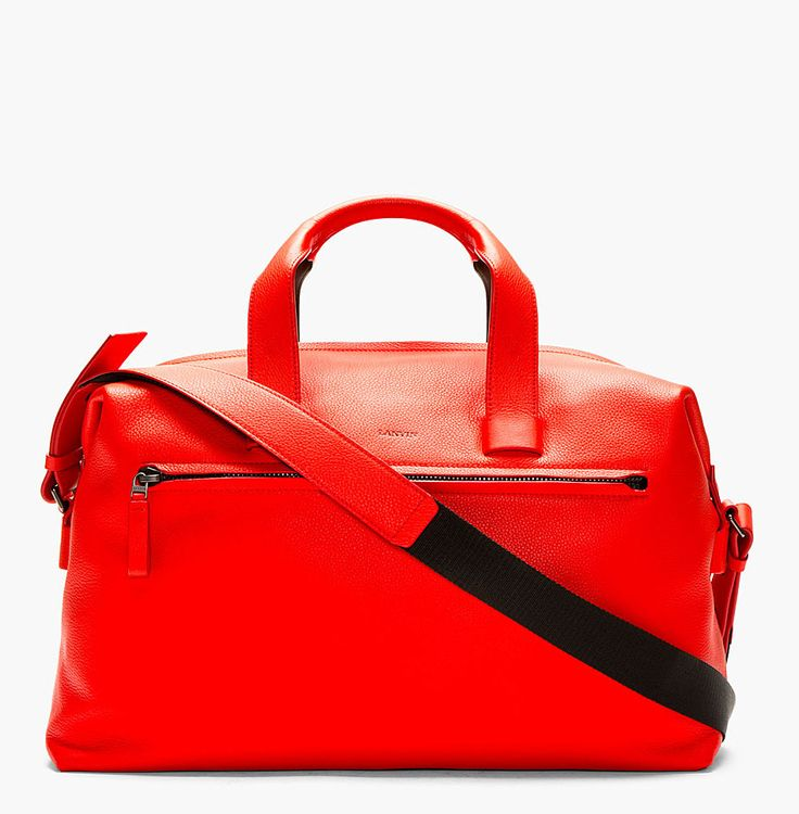 sikaaat tante..., top abis.. http://zocko.it/LJXBB  Grained leather duffle bag in poppy red. Removable adjustable shoulder strap. Rolled carry handles. http://www.zocko.com/z/JJXBB