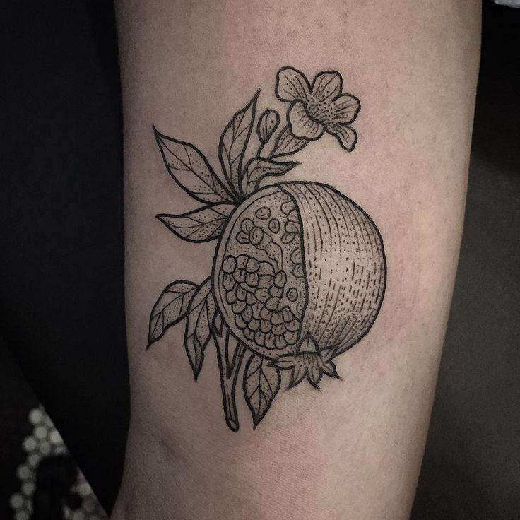 78 best art tattoos images on pinterest tattoo ideas lyric tattoos and arm tattoos. Black Bedroom Furniture Sets. Home Design Ideas