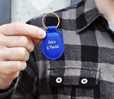 Llavero personalizable de polipiel. Escribe el mensaje que tu quieras. Un regalo original y personalizado