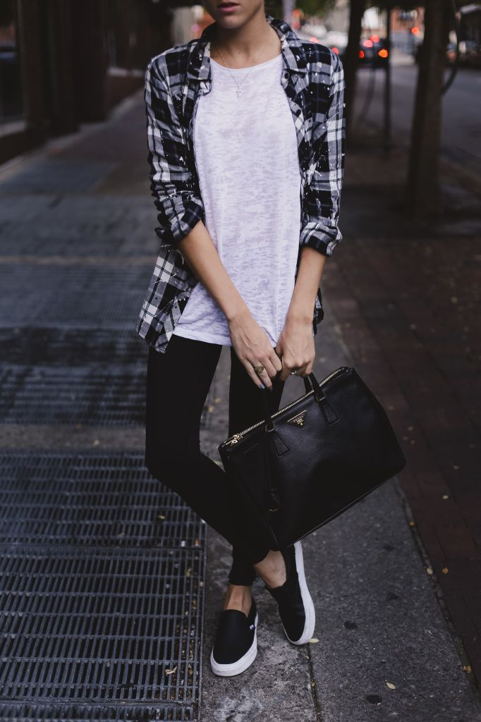 Outfit : patchy white tank + b&w flannel + black leggings + b&w slip on shoes