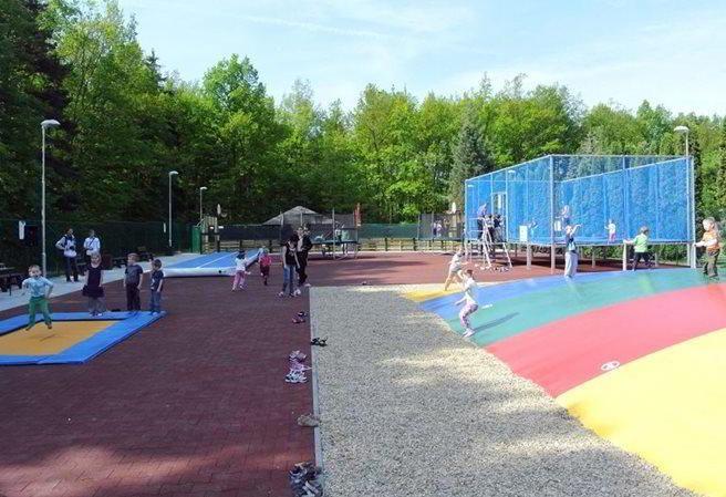 hotovo, splněno + minigolf Kudy z nudy - Trampolínový park v Kladně