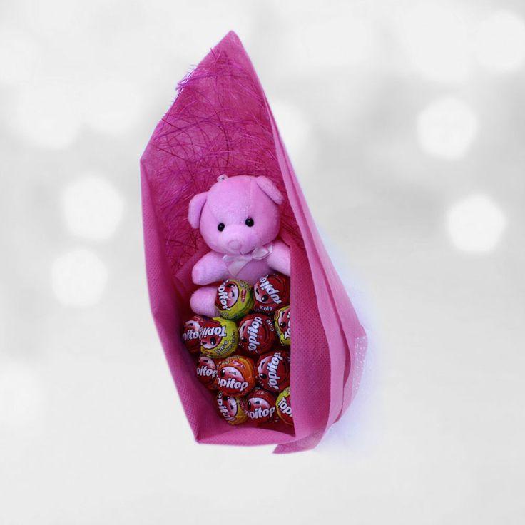Pembe Peluş Lolipop Buketi.  Sevgilinizin doğum günü için tüm hazırlıklar tamam! Sıra geldi hediye seçmeye. Sevgilinizi şaşırtacak bu sevimli şeker buketi, sevgilinizin çok ama çok hoşuna gidecek.