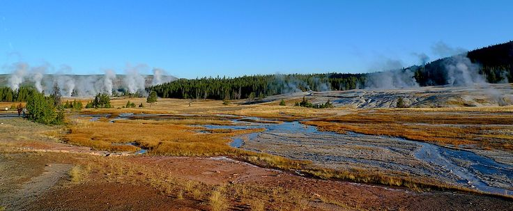 Yellowstone , Wyoming