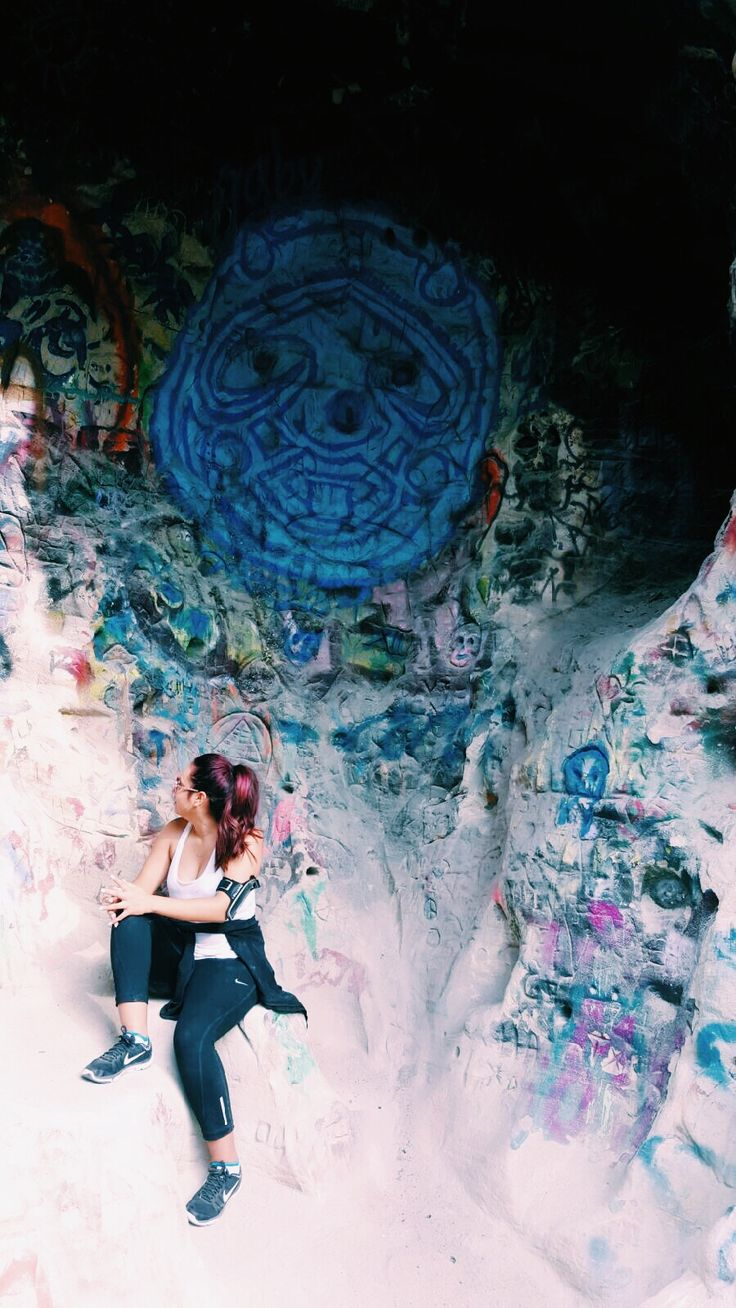 The Mushroom Caves between Encinitas and Solana Beach are incredible! If you have a full day, check out myguide to Encinitasfor good eats + cool places after this rad hike. Gettin…