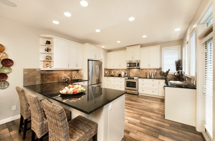 Birkley in Evanston by Broadview Homes. Click here for more #decorating & #decor ideas: http://www.broadviewhomes.com/calgary/photo-gallery #kitchen #white