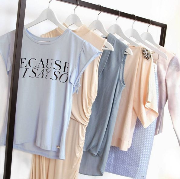 JOSH V | HIGH SUMMER '16 https://joshv.com/kleding-joshv/collectie/seventeen-joshv-17 #JOSHV #Tshirt #Dress #Blouse #Top #Blazer #Skirt #Highsummer #Newcollection #Pastels #Fashion #Lifestyle #Inspiration