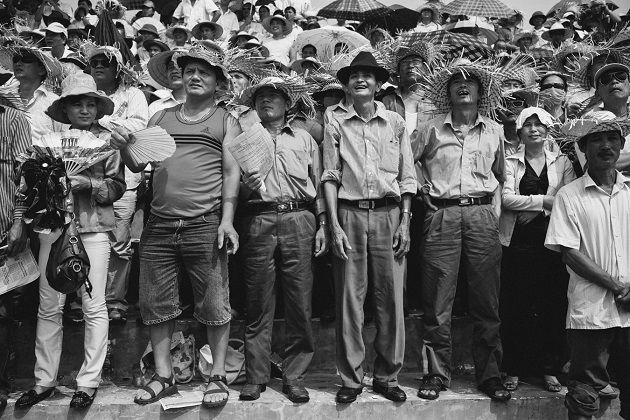 11 - Vietnam Modern Times by Aaron Joel Santos 23-1. fotografia documental.