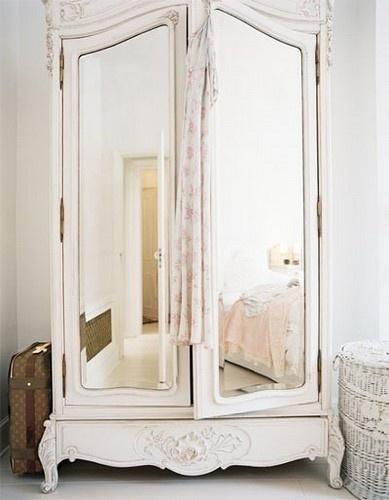 Wardrobe, love the mirror