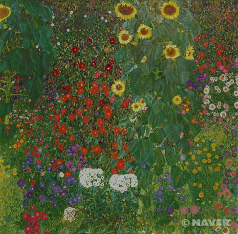 구스타프 클림트 '꽃이 있는 농장 정원' 1906년경 상징주의 오스트리아 미술관 여러 종류의 꽃이 표현되어 있는 이 작품에서 클림트는 해바라기의 노란 잎과 함께 붉은 색, 보라색, 흰 색 등 다양한 색으로 화면을 가득 채웠다. 더하여 꽃의 잎사귀와 미묘하게 다른 풀밭의 녹색 계열의 색 점 역시 화면을 더욱 풍성하게 한다. 하지만 어떠한 공간감이나 입체감도 나타내지 않고, 클림트의 다른 작품들에서도 두드러지는 장식적인 느낌이 강하다. 마치 작은 꽃잎 하나하나가 모자이크를 이루는 색 돌과 같이 보이기도 하고, 기하학적 도형의 한 요소인 듯도 보인다. 결과적으로 이러한 요소들은 캔버스 화면의 평면성을 부각한다. 이는 가로 혹은 세로로 놓고 보아도 같은 형태인 정사각형 화면에 의하여 더욱 강조된다. 정사각형은 직사각형에서보다 화면 속에서 거리감이 덜 느껴지기 때문이다.