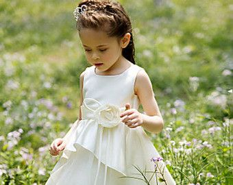 Niña vestido de flores, vestido de novia, vestido de bautizo, cumpleaños vestido, vestido de fiesta, vestido Bridsmade, vestido de bautismo, vestido de Marfil, marfil flor