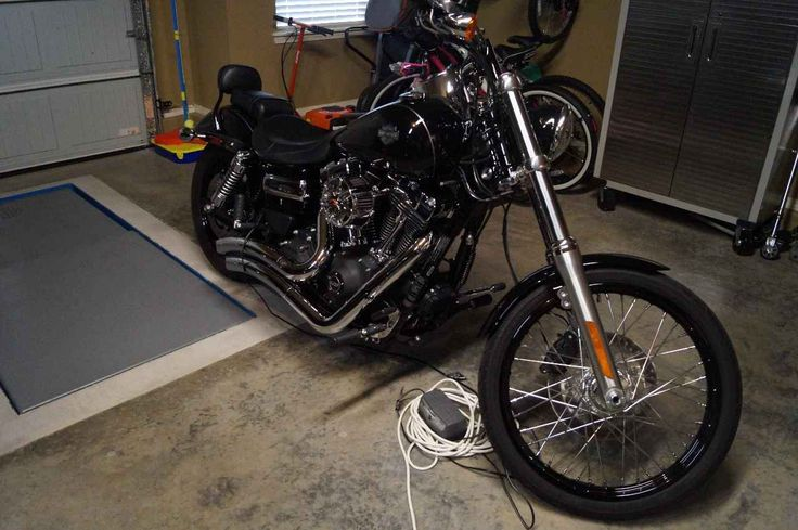 Used 2015 Harley-Davidson DYNA WIDE GLIDE Motorcycles For Sale in Oklahoma,OK. 2015 Dyna Wide Glide with only 2,500 miles. Comes complete with Stage 1 performance kit, Vanes and Hines (2 into 2), Screaming Eagel Air Intake, battery tender, and was tuned at a local Harley dealer! 103 motor runs STRONG!!! Excellent condition..... Have some riding gear (male and female) that I could throw in if need be.