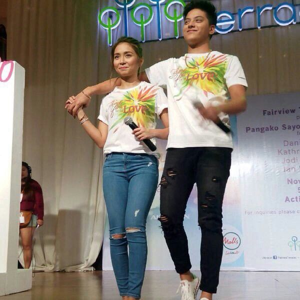 "This is the pretty Kathryn Bernardo and the handsome Daniel Padilla singing a song to the fans during the Pangako Sa 'Yo Thanksgiving Day held at Ayala Fairview Terraces last November 29. Indeed, KathNiel and the cast of ""Pangako Sa 'Yo"" are grateful to the fans. #KathrynBernardo #TeenQueen #DanielPadilla #KathNiel #KathNielBernaDilla #PangakoSaYo #PSYThanksgivingDay"