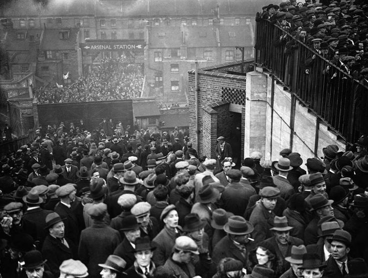 Crowd at the North London Derby between Arsenal and Tottenham Hotspur at Highbury, 1934.