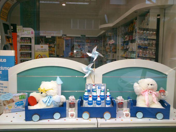 Escaparate infantil productos Mustela