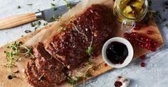 En saftig köttfärslimpa är god omväxling till köttbullar och pannbiff. Prova med lammfärs eller älgfärs för mer karaktär och servera gärna med saltgurka och gelé till.