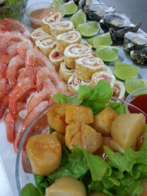 A really nice way to start a party. A freshly made seafood platter.