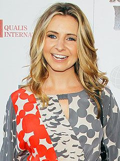 Former 7th Heaven star Beverley Mitchell is Pregnant!