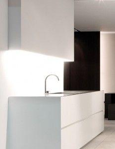 55 białych nowoczesnych kuchni