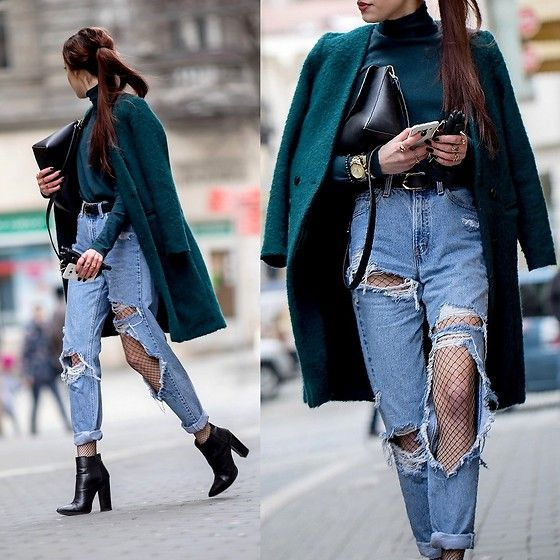 Get this look: http://lb.nu/look/8603293  More looks by Markéta Bártová: http://lb.nu/marketabartova  Items in this look:  Asos Black Ankle Booties, Levi's® Vitntage Ripped Mom Jeans, Mango Smaragd Green Turtleneck Sweater, Second Hand Smaragd Green Minimalist Coat   #chic #grunge #street